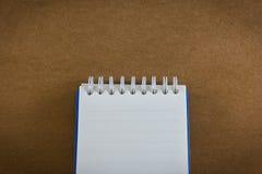 Cuaderno en la textura de papel de madera del fondo Imagen de archivo
