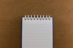 Cuaderno en la textura de papel de madera del fondo Imagenes de archivo