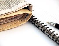 Cuaderno, pluma y periódico #3 Fotos de archivo libres de regalías