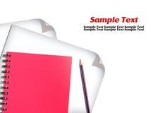 Cuaderno rojo y Libro Blanco con los lápices Imagen de archivo