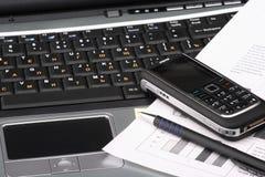 Cuaderno, teléfono, tecnología del asunto Fotografía de archivo