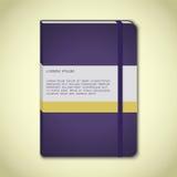 Cuaderno violeta con la señal stock de ilustración