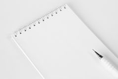 Cuaderno y lápiz Fotografía de archivo libre de regalías