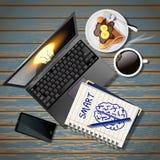 Cuaderno y ordenador portátil con el teléfono móvil y café y crespón Fotos de archivo libres de regalías