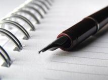 Cuaderno y pluma 1 Imagen de archivo