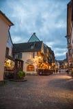 Cuadrado central en la ciudad de Riquewihr, Francia Fotografía de archivo libre de regalías