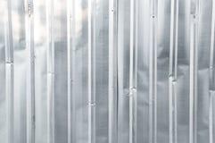 Cuadrado de aluminio del metal del fondo del primer del cinc vertical viejo de la textura Fotografía de archivo libre de regalías