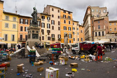 Cuadrado de Campo de Fiori en Roma Italia Imagen de archivo libre de regalías