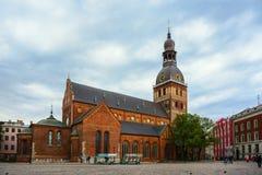 Cuadrado de Herdera, Riga, Letonia - septiembre, 30, 2018: BU religiosos imágenes de archivo libres de regalías