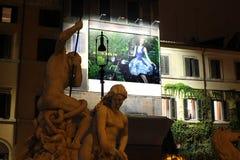 Cuadrado de Italia - de Roma - de Navona - estatuas y carteles Imagen de archivo libre de regalías