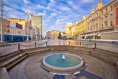 Cuadrado de Jelacic de la prohibición en la opinión del advenimiento de Zagreb Foto de archivo