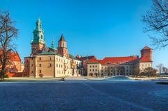 Cuadrado de la yarda del castillo de Wawel en Kraków foto de archivo