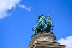 Cuadrado de los héroes - Budapest, Hungría Imagenes de archivo