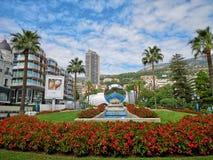 Cuadrado de lujo delante del casino de Monte Carlo imágenes de archivo libres de regalías