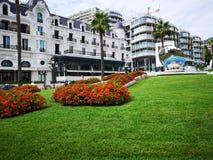 Cuadrado de lujo delante del casino de Monte Carlo foto de archivo