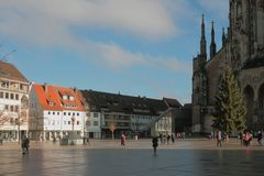 Cuadrado de Munsterplatz Ulm, Baden-Wurttemberg, Alemania Foto de archivo libre de regalías