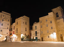 Cuadrado de Palmieri por noche. Monopoli. Apulia. imágenes de archivo libres de regalías