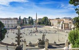 Cuadrado de Piazza del Popolo People s nombrado después de la iglesia de Santa Maria del Popolo en Roma Fotografía de archivo