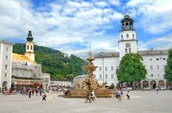 Cuadrado de Residenzplatz en Salzburg, Austria. Foto de archivo libre de regalías
