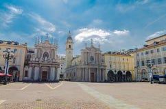 Cuadrado de San Carlo de la plaza e iglesias católicas gemelas foto de archivo libre de regalías