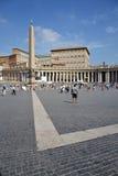 Cuadrado de San Pedro en Vatican Fotos de archivo libres de regalías