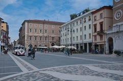 Cuadrado de Tre Martiri en Rímini en la región de Emilia Romagna, Italia Foto de archivo libre de regalías