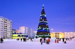 Cuadrado del Año Nuevo en la ciudad siberiana de Nadym Imagenes de archivo
