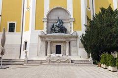 Cuadrado del ` de los héroes en Szekesfehervar, Hungría Imagen de archivo libre de regalías
