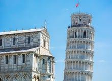 Cuadrado del milagro y torre de Pisa imágenes de archivo libres de regalías