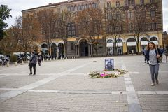 Cuadrado del St Nedelya en Sofía, Bulgaria después del monumento de la luz de una vela para el periodista asesinado Victoria Mari imagen de archivo libre de regalías