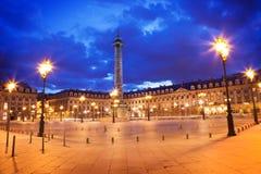 Cuadrado en la noche, París de Vendome Foto de archivo