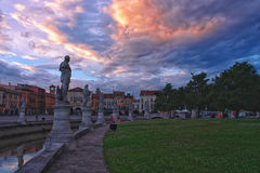 Cuadrado en la puesta del sol, Padua, Italia de Valle del della de Prato Imagen de archivo