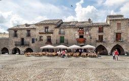 Cuadrado español Ainsa del pueblo Fotografía de archivo
