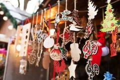Cuadrado justo del Año Nuevo en el centro de Lvov Venta de tradicional Foto de archivo