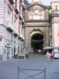 Cuadrado Port'Alba 2 de Nápoles Dante fotos de archivo