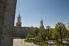 Cuadrado principal de Arequipa, de Perú y catedral Foto de archivo libre de regalías