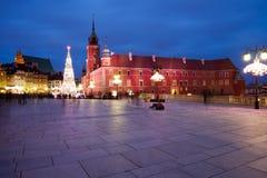 Cuadrado real del castillo por noche en Varsovia Imagen de archivo
