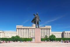 Cuadrado y estatua de Lenin Fotos de archivo