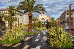 Cuadrado y parque en la ciudad de Niza foto de archivo libre de regalías
