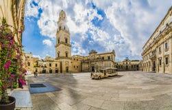 Cuadrado y Virgen Mary Cathedral, Puglia, Italia meridional de Lecce, de Italia - de Piazza del Duomo Imagen de archivo