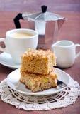 Cuadrados de la torta de café de la manzana Fotografía de archivo
