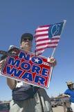 Cuadro de la reunión política de anti-Bush en Tucson, Foto de archivo