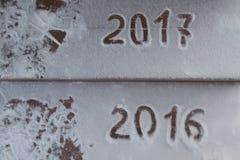 Cuadros 2017 en la nieve Tema del Año Nuevo y de la Navidad Imagen de archivo libre de regalías