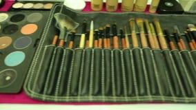 Cualidades para el maquillaje almacen de metraje de vídeo