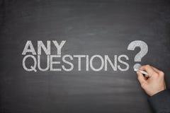 Cualquier concepto de las preguntas en la pizarra Fotos de archivo