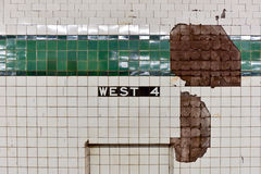Cuarta parada del oeste del subterráneo de la calle - NYC fotos de archivo