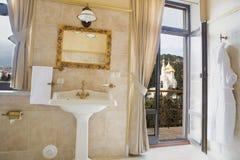 Cuarto de baño agradable Fotografía de archivo