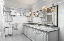 Cuarto de baño blanco Fotografía de archivo