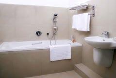 Cuarto de baño de la casa de huéspedes Fotografía de archivo