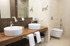 Cuarto de baño del hotel Fotos de archivo libres de regalías